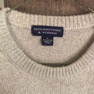***ROUNDTREE & YORKE*** Sweater
